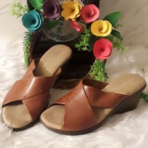 📁PRICE DROP TODAY 🍃🏵🍃NWOT CUTE SANDALS